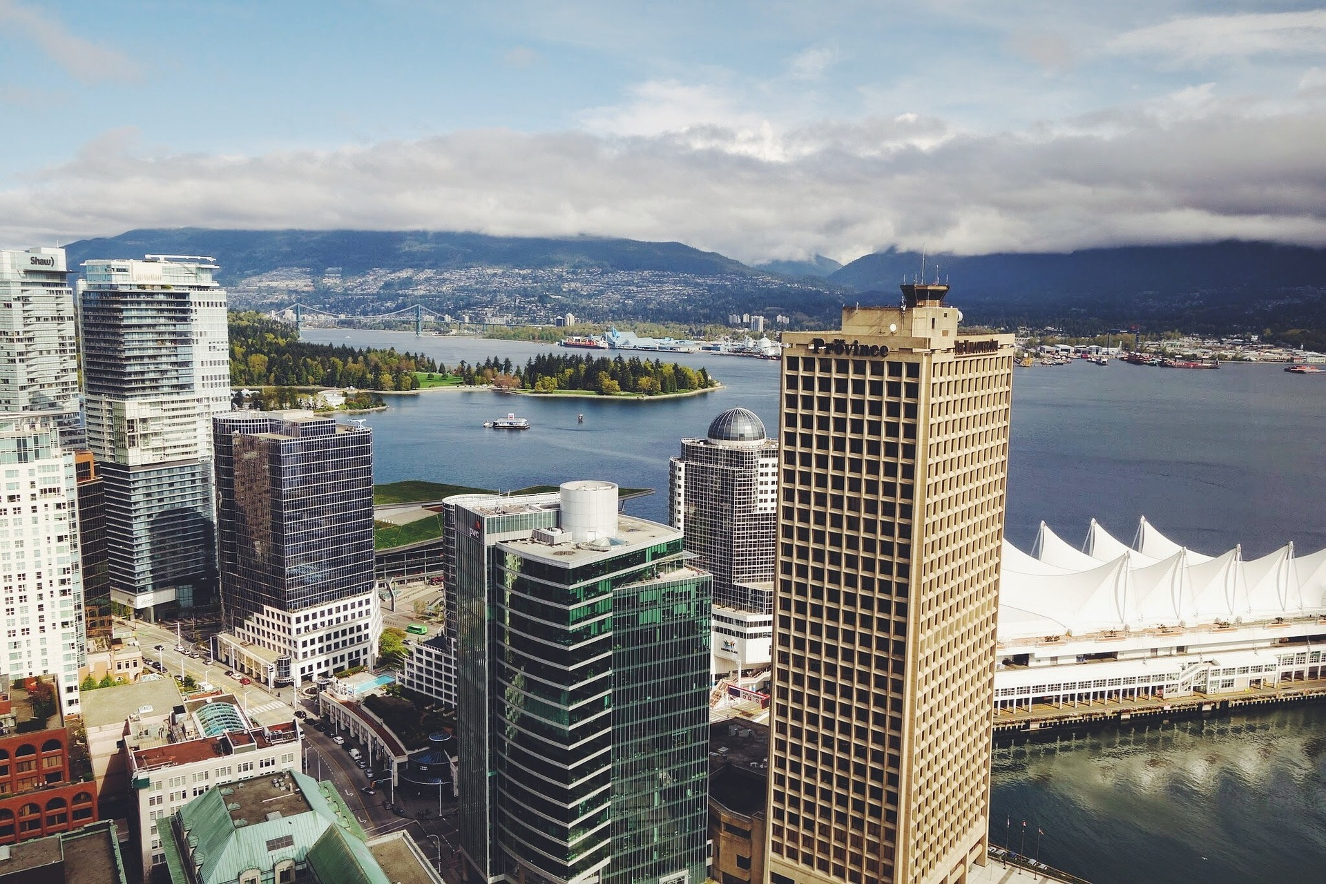 Black Platinum Gold - Travel tips, top 5 cities to visit in 2020! - Vancouver