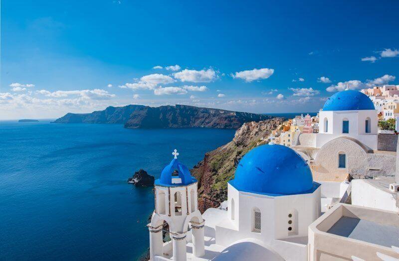 Beach, Breeze & Blue: Greek Islands Hopping