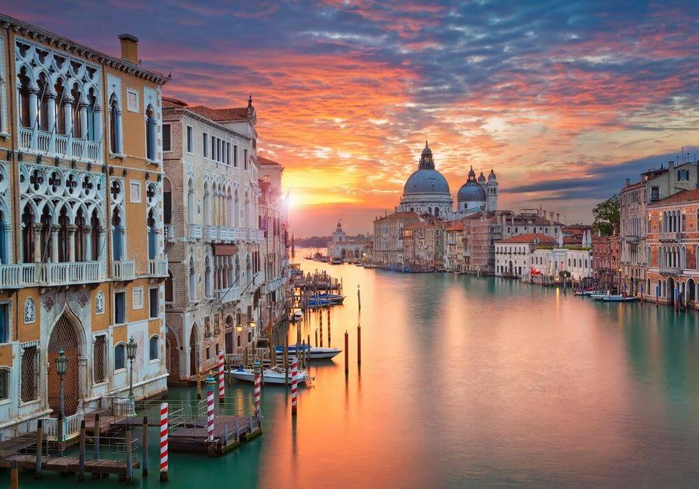 How to visit Venice in total luxury – Black Platinum Gold
