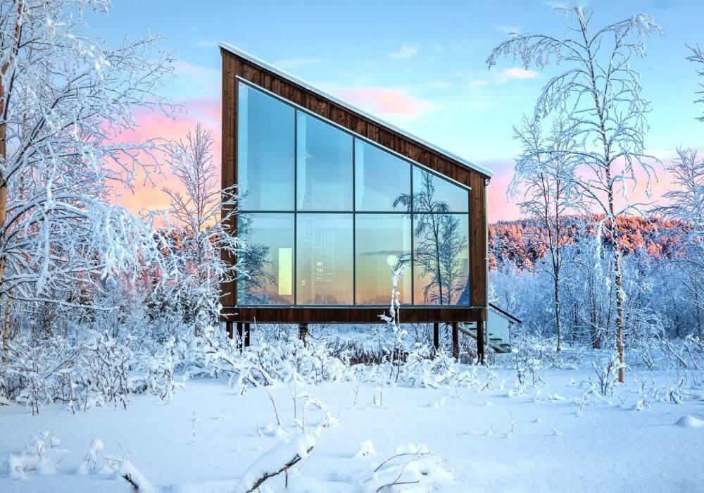 Arctic Bath: Spellbinding Swedish Lapland - Black Platinum Gold