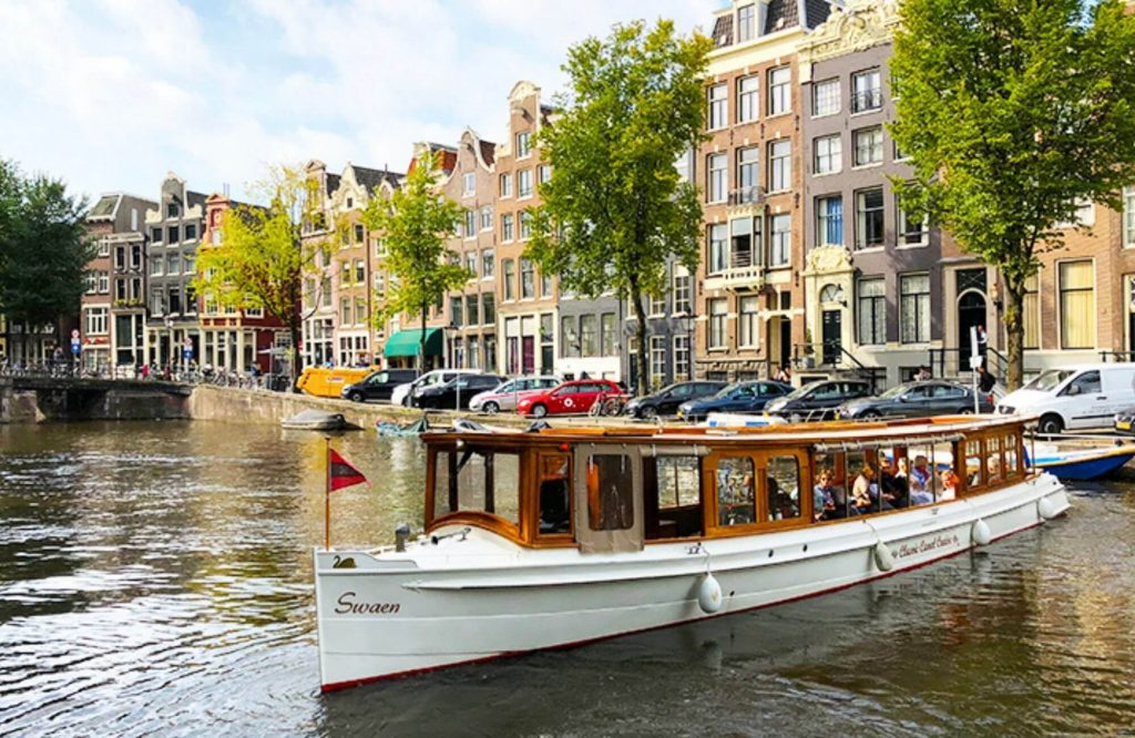 10 Must-See Places In Amsterdam | Black Platinum Gold