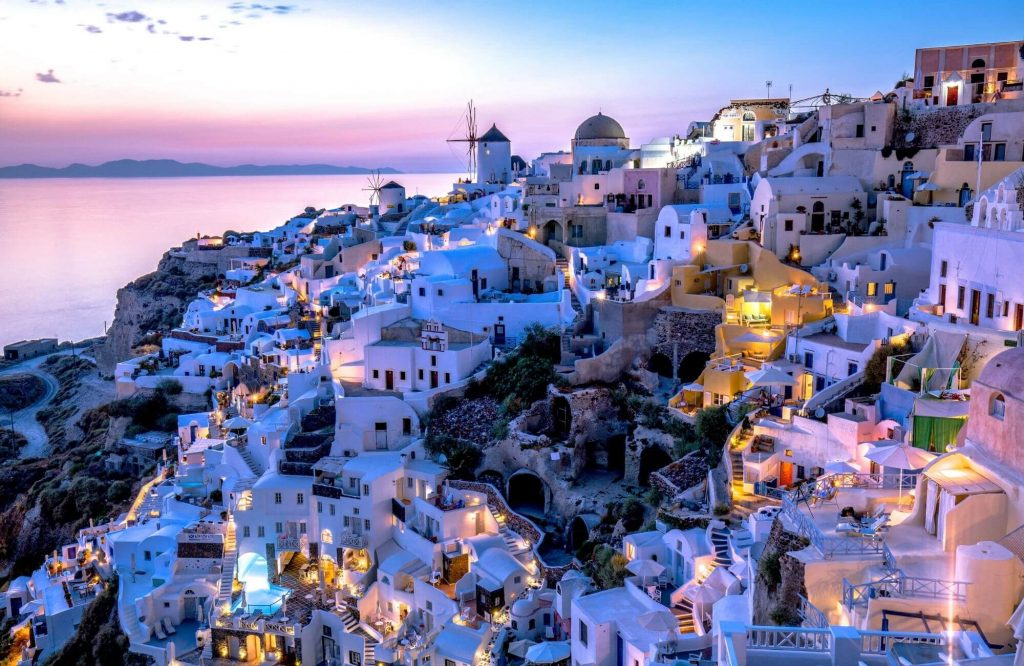 The World's Most Instagrammable Destinations   Black Platinum Gold