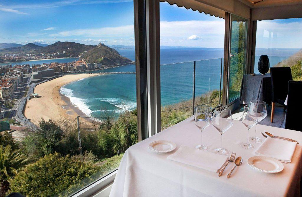 Top 10 Luxury Experiences in the Mediterranean | Black Platinum Gold