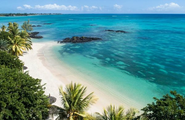 LUX* Grand Baie – A Modernist Marvel in Mauritius | Black Platinum Gold