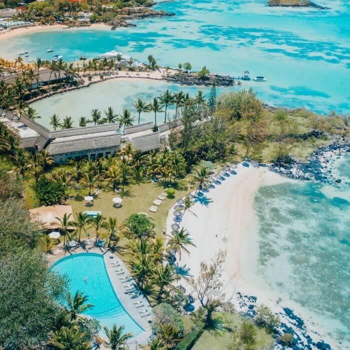 A Retro-Chic Tropical Retreat in Mauritius