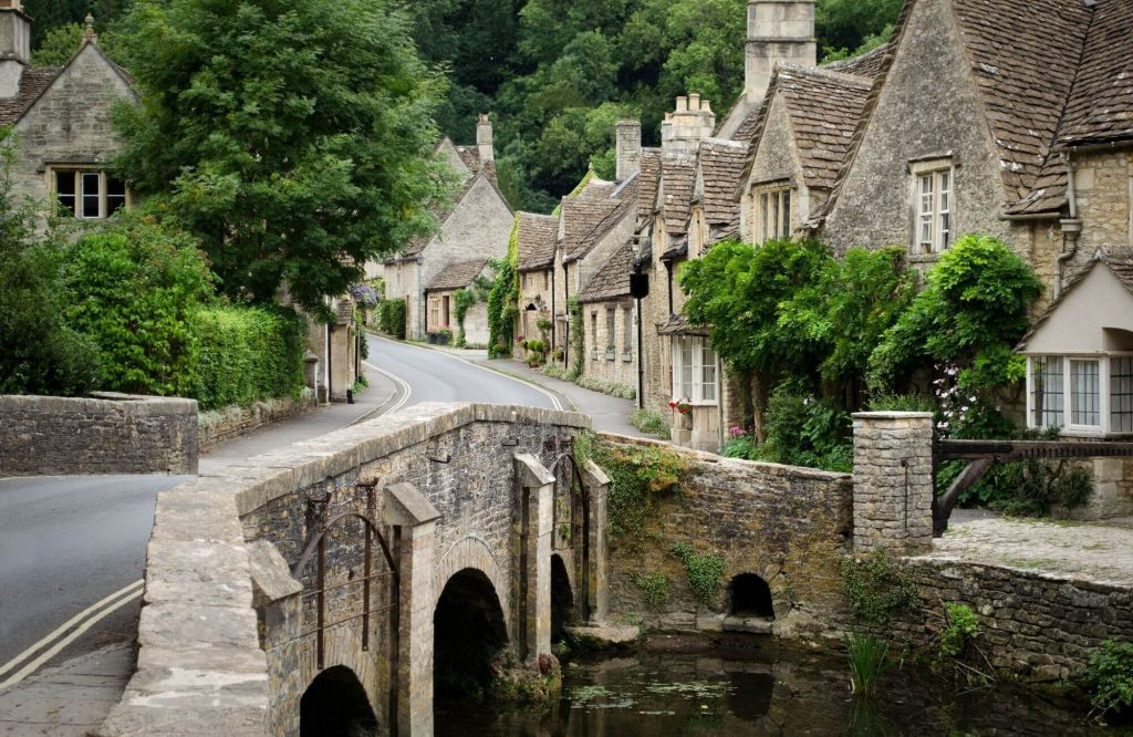Ideas For A Weekend Break In The Cotswolds | Black Platinum Gold