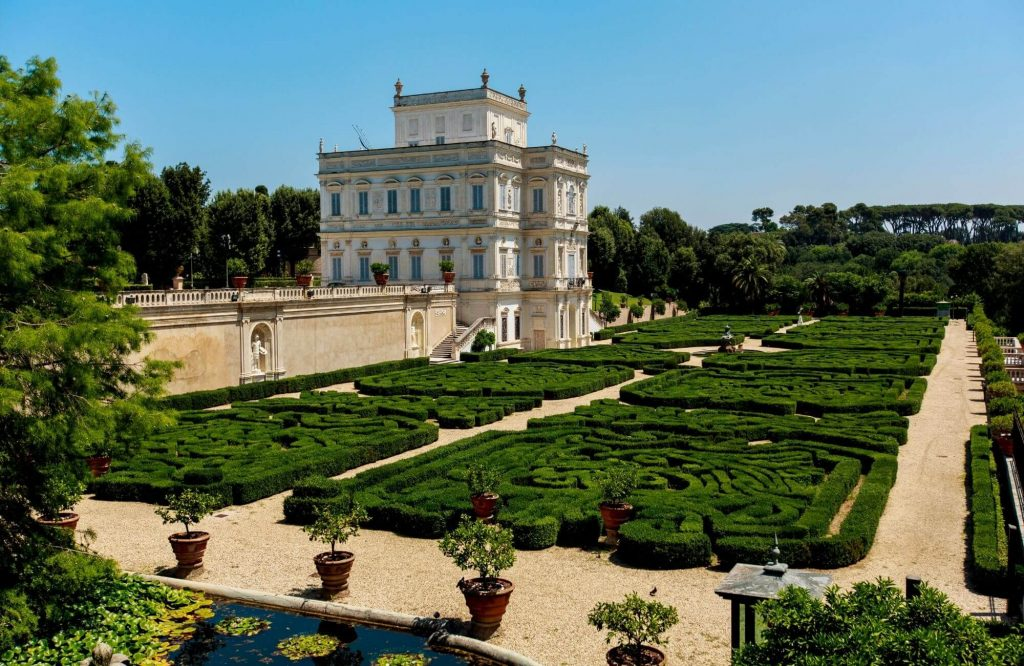 10 Reasons Why Italy Should Be On Top Of Your Travel List | Black Platinum Gold