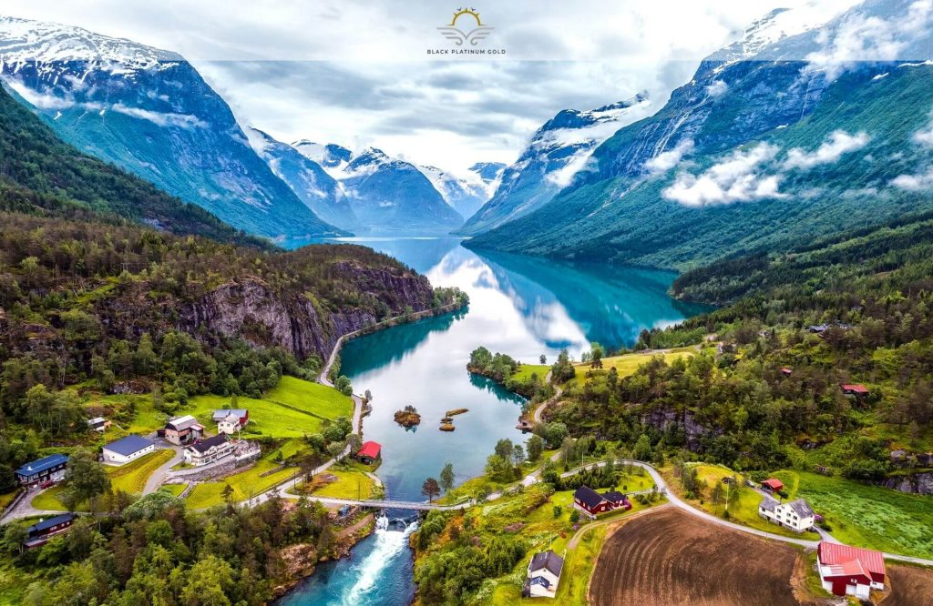 Top 5 Countries to Visit for Nature Lovers   Black Platinum Gold